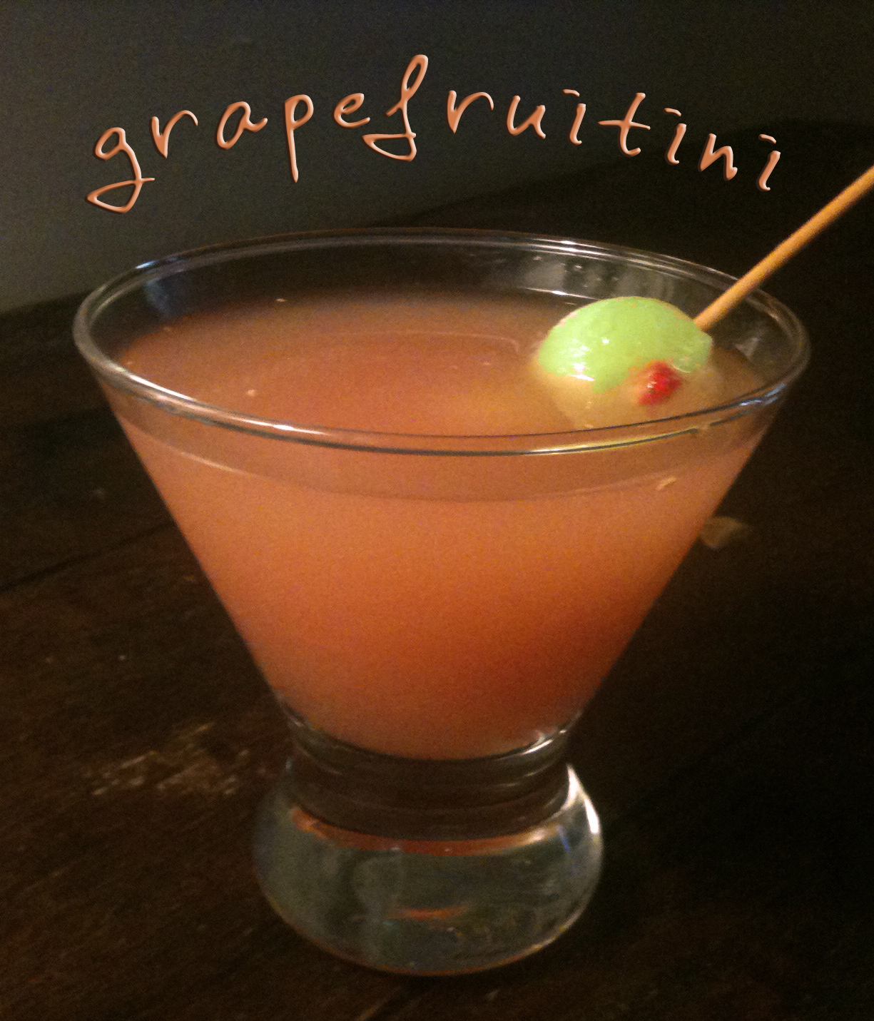 """Recipe : Grapefruitini with Honeydew Melon and Strawberry """"Olives"""""""